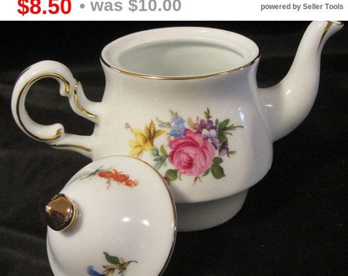 Vintage Individual China Tea Pot, Small Tea Pot, Display Pot, Flower Pot, Kitchen, Serving, Dinning, Tea Pot