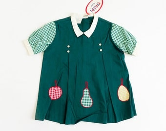"""Vintage 1960s Girls Size 2-3 A-Line One Piece Dress by Pettibelle Deadstock / b26"""" L17.5"""" / Forest Green Gingham Box Pleats Fruit Appliques"""