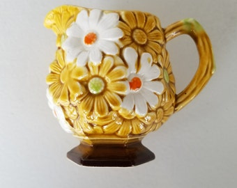 Japan Fred Roberts Co. Daisy Creamer