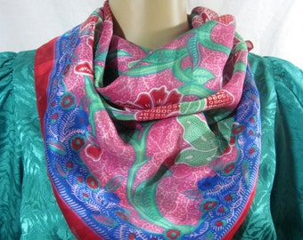 """1970's ABSTRACT FLORAL SCARF Size 30"""" x 30"""""""