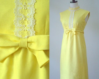 Vintage 1960s Dress Yellow Bridesmaid Dress Empire Waist High Neck Style 1960s Clothing Sleeveless Yellow Linen Dress Lace Bodice Size Small