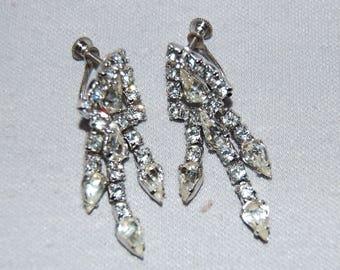 Vintage / Rhinestone / Clear /  Earrings / Dangle /  Screw Back / old jewelry
