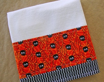 HALLOWEEN Flour Sack Towel - Halloween Kitchen Dish Towel - Lint Free Tea Towels - Fabric Trimmed Towel - Embellished Towel - Cute Spiders