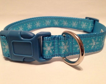EXTRA LARGE Ice blue Snowflakes holiday dog collar