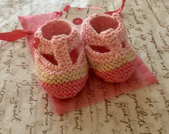 Baby girl gift - t bar shoes - hand knit baby shoes in shades of pink and beige with pink gift bag and card - ready to ship