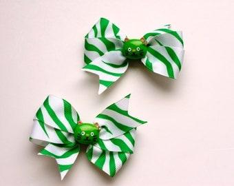 Green and White Zebra Striped Cat Pinwheel Bows
