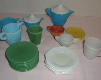 Children's Akro Agate Dishes. Slag Dishes. Jadeite. White. Blue. Yellow.
