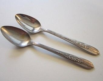2 vintage silver plated demitasse spoons - ROYAL ROSE 1939 - Nobility Plate
