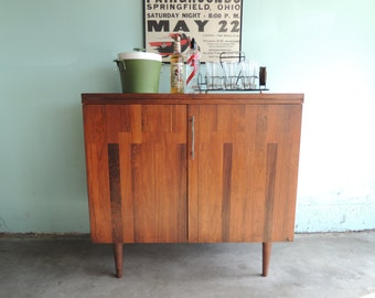 MID CENTURY MODERN Expandable Buffet or Bar (Los Angeles)