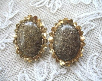 Vintage Earrings ~ Confetti Thermoset ~ Clip On ~ Taupe w/ Gold Flecks