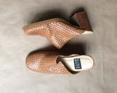 vintage 90's woven leather mules /chunky thick heeled shoe / slip on / clog esque / womens size 7.5