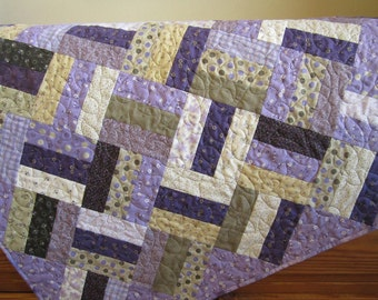 Purple Quilt, Patchwork Quilt, Handmade Quilt, Homemade Quilt, Home Decor, Pieced Quilt
