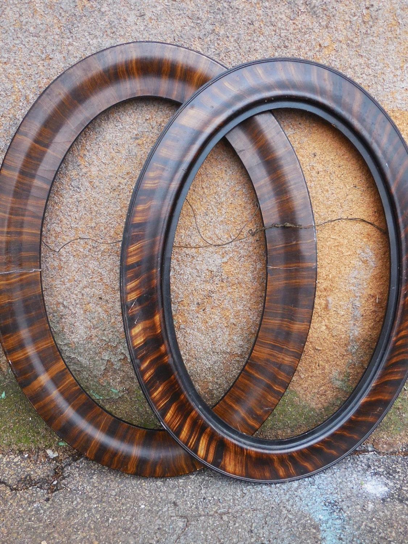 Agrupación de óvalos pared marco de madera de dos antiguos ovalados ...
