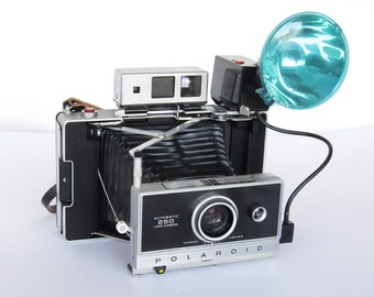 Polaroid 250 Camera for repair or display.