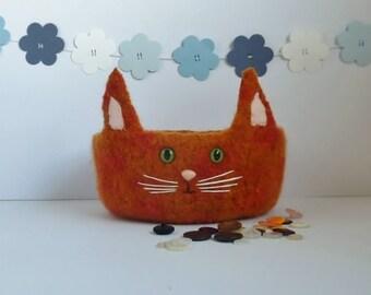 FELTED 'Fusspot' bowl / tray  .  ' Marmaduke '. ( a marmalade cat.) Kitty . Home decor.  UK seller ...ready to ship...