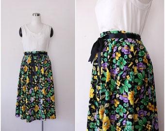 1970's Floral Skirt M, Cotton Skirt, Wrap Skirt, Pleated Skirt, Black Printed Romantic Skirt