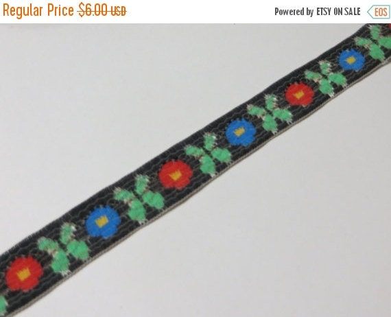 ON SALE Vintage Pretty Woven Jaquard Ribbon trim-4 yards-Sewing-Embellishment-Floral