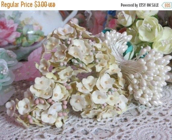 ON SALE Vintage Velvet Flocked Butter Yellow Millinery Flowers-Bunch-Mixed Media-Altered Art-Corsage-Supplies