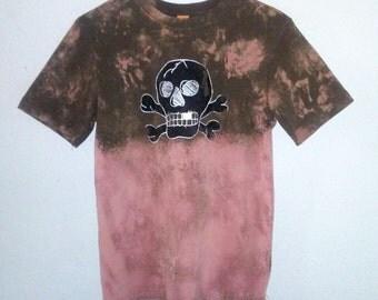 Skull and Crossbones TShirt / Jolly Roger / Skeleton / Graphic Tee / Evil / Indie / Grunge / Rock N Roll / Unisex / Women / Men / Guys