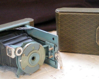 Vintage Kodak Petite Camera with Bellows**Auqa/Green Color with Case