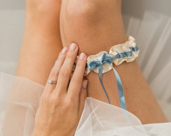 Stylish Bridal Garter, Off White Garter, Garter With Blue, Meaningful Wedding, Something Blue Garter, As Seen On Wedding Chicks, SHIPS FREE