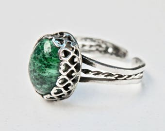 Ethnic Silver Ring Green Glass Ring Adjustable SIze 9 Ring Gallery Setting Middle East Jewelry Antique Ring Ethnic Vintage Jewelry
