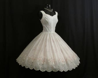 Vintage 1950's 50's White Ivory Pink Flocked Floral Chiffon Organza Party Prom Wedding Dress Gown