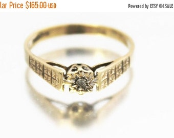 XMAS SALE Vintage Ladies Diamond Solitaire Ring Gypsy Wedding Engagement 9ct 9k Yellow Gold | FREE Shipping | Size O.5 / 7.5