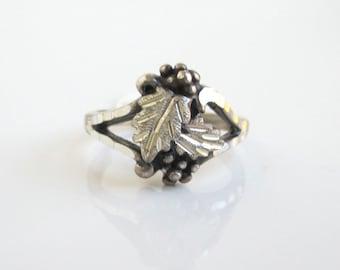 Black Hills Sterling Silver Ring - Berries & Leaves, Vintage w/ Tag, Size 7