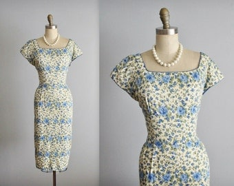 50's Floral Dress // Vintage 1950's Blue Rose Print Cotton Fitted Sheath Garden Party Dress L