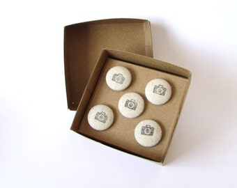 Camera, Drawing Pins, Push Pins, Notice Boards, Photos, Photography, Memo Boards, Tacks, Art, Paper, Office, Home, Student,Gift,Hand Stamped