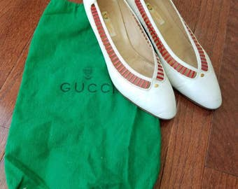 Vintage Gucci Pumps Heels Made in Italy 1970s 1980s Leather As Is Original Green Bag Red and White