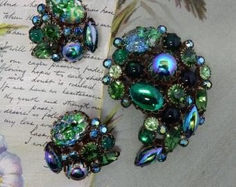 KRAMER Signed Green Foiled Easter Egg Art Glass Brooch & Earrings Set    OY4