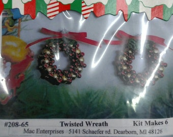 208-65 Twisted Wreath