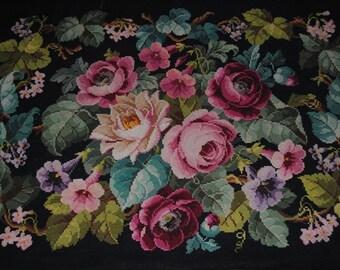 Vintage CROSS STITCH Rug Carpet in Wool wonderful Romantic ROSES