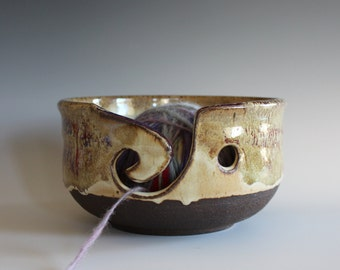 Ceramic Yarn Bowl, Knitting Bowl, pottery yarn bowl, pottery knitting bowl, handmade ceramic yarn bowl, READY to Ship