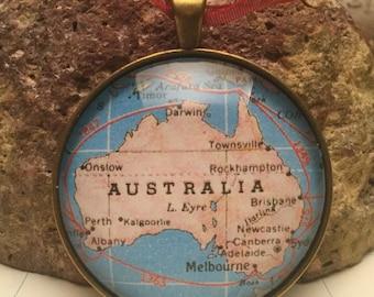 Australia Map Christmas Ornament, Keep a memory Alive / HONEYMOON Gift / Wedding Map Gift / Travel Tree Ornament / Corporate gift