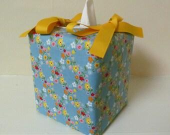 Tissue Box Cover/Pretty Flower