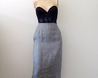 ON SALE 1980s Linen Pencil Skirt / geometric pattern wiggle skirt / designer vintage office attire