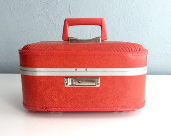 Vintage Red Train Case, Small Suitcase, Vintage Luggage, Cosmetic Case, Makeup Case, Overnight Case, Vintage Suitcase