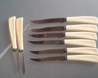 Quikut Steak Knife Set with Two Pairing Knives, Vintage Kitchen Cutlery, Set of Six Serrated Steak Knives with Ivory Plastic/Bakelite Handle