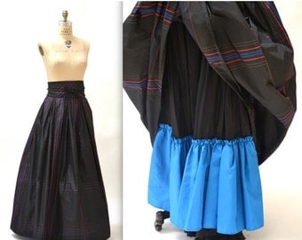 15% OFF SALE Vintage Black Ball Gown Skirt size Small Medium Silk Plaid// Black Gown Long Skirt with Crinoline Skirt Size Small Medium