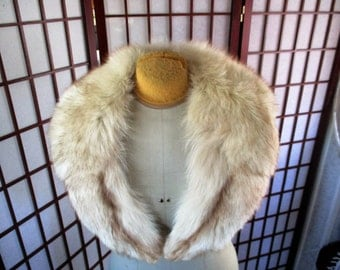 1940s or 50s large white artic fox fur collar