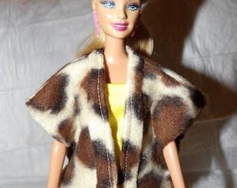Leopard print Fleece vest / cape for Fashion Dolls - ed905