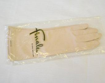 1950s Finale Beige Nylon Gloves