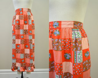 1970s Long Red Patchwork Print Apron