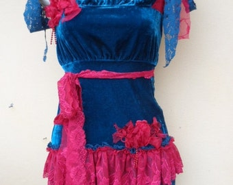 """20%OFFplusREFUND SHIPPING turquoise blue velvet top with lace ruffles..small to 36"""" bust"""