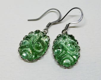 Peridot  Earrings, Vintage Jewel Earrings, Peridot Green Earrings, Cut Glass EArrings