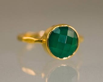 40 OFF - Green Onyx Ring Gold - Solitaire Ring - Green Stone Ring - Stacking Ring - Gold Ring - Round Ring