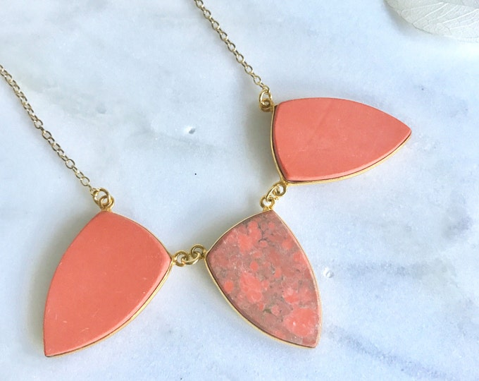 Coral Stone Statement Necklace. Bib Necklace. Coral Gold Bib Necklace. Statement Jewelry. Gift. Holiday Jewelry.